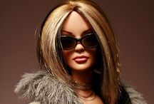 Barbie & Fashion Dolls