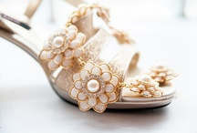 Pretty Things / Wedding details: flowers, jewelry, shoes