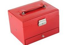 Trousseau Box & Cosmetic Pouches / Trousseau/Packaging Box