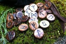 Runes, runy