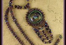 Biżuteria z kryształków i koralików