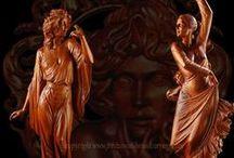 Carving - women II /  současná dřevořezba ženy