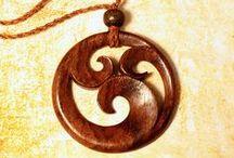jewelry - pendants I / dřevěné přívěsky, motýlky a pod.