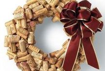 DIY Wine Cork Crafts / Cool do it yourself wine cork crafts and art projects.
