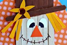 Fall Crafts for Kids / Here are some fun fall and halloween art projects to make with your kids!