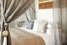 I N T E R I O R    bedroom / by Pascale Mourier-Cooper