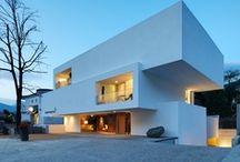 Modern Architecture Quadrangular  / Modern Minimalism
