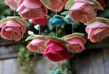 Materiałowe kwiatki