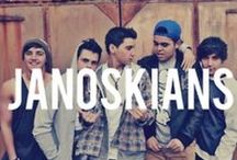 Janoskians / 5 Hopeless kids taking on the streets on Melbourne.