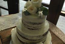 Wedding Cake Flowers / Fresh flowers MAKE the cake complete!