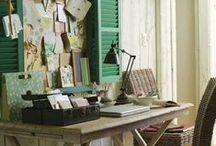 Na escrivaninha / Idéias para deixar seu escritório mais bonito.