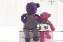 The Bear Book - Sirdar - Sue Jobson / This is such a lovely book the bears are so adorable, they have their own personalities, we have Emma and big sister Katie, Jack who loves to play with his big brother Alfie and then we have Brother and Sister Bobby and Ruby. www.purplelindacrafts.co.uk
