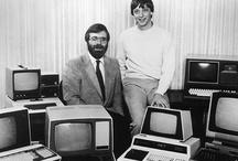 Z historie Microsoftu / Obrázky významných mezníků produktů společnosti Microsoft.
