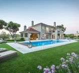 Villa Gondra | Quinta do Lago / Uma villa elegante e contemporânea, localizada na Quinta do Lago. Foi decorada com um padrão elevado combinando o charme da arquitetura tradicional com a elegância de interiores contemporâneos. | An elegant and contemporary villa, located in Quinta do Lago. It was decorated to a very high standard combining the charm of traditional architecture with the elegance of contemporary interiors.