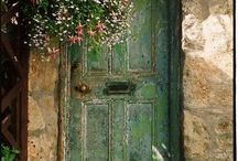 Doors / Old doorways that I would love entering.