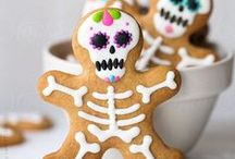 Dia de los Muertos / Celebrate the Day of the Dead with these crafts, recipes, and DIY ideas!
