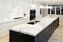 {Bright} White Kitchens / Ultra modern kitchens! White on white kitchen designs are a must for an effortless cool vibe.