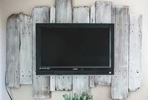 Reclaimed Furniture / Reclaimed and distressed furniture adds so much character to a home. It gives such a comforting and familiar vibe to your home.