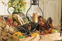 •●• Thanksgiving Centerpieces •●• / Add a touch of fall to your Thanksgiving table with elegant yet easy-to-make Thanksgiving centerpiece ideas!