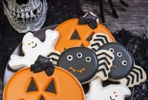 •●• Halloween Cookies •●• / Halloween cookies have never tasted (or looked!) this ghoulishly good. Like what you see? For more recipes & ideas stop by My Bella Villa on Facebook & Tumblr!