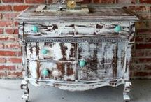 Shabby Chic'd / Projects to shabby chic furniture!