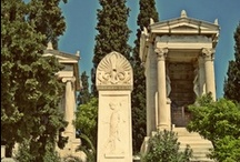 Mets (Ath r.08) / A stroll in an old aristocratic neighborhood of Athens that hides a lot of ancient secrets
