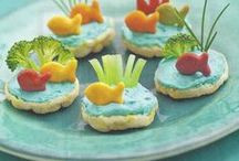 Fun Snacks / Fun and easy snack ideas for kids! Simple recipes and ingredients.