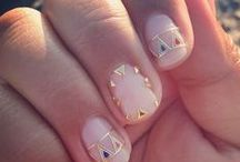 Nail-ed It / Mastering the art of decorating your nails