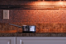 Kitchen Decor / This category is all about #KitchenDecor. Everything from a unique #backsplash to wall colors, this board should span the gamut.