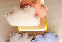 Cojines cuna bebé / cojines para cunas de bebé o dormitorios infantiles. Hechos a mano con forma de luna, corazón, nube o estrella