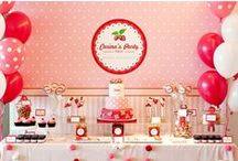 Sweets Table / by Meili Del Angel