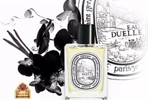 Eau Duelle (Diptyque) / The duality of shadow and light, feminine and masculine, vanilla and black frankincense. Vanilla being an adventurous soul, diptyque has taken her along the Spice Route, the promise of dreams, distant horizons, and all that is exotic. On this imaginary journey, the original bean strikes out to experience an encounter of East and West. She revels in each enchanting port of call, in cities of legendary name, Babylon and Goa, Venice and Carthage, Constantinople and Baghdad...
