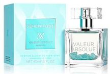 Sérénitude (Valeur Absolue) / An exquisitely soothing, sensual delight.  An extremely soft and gentle composition featruing rose at its heart, perfectly balanced with creamy sandalwood from Australia.  Relaxing essential oils of sandalwood and patchouli, energise Manganese and Potassium minerals, and semi-precious Amazonite stones.