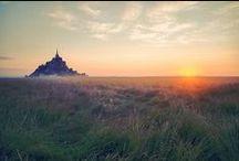 Le soleil se lève au Mont-Saint-Michel