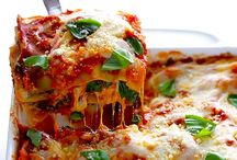 Easy Casserole Recipes / Delicious casserole recipes that are quick and easy to make.