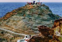 Greek Island Chapels / Picturesque chapels in Greece