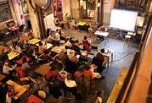 Papot'pitch / Les photographies des événements Papot'pitch. 5 Artistes disposent de 5 minutes chacun pour présenter leur travail au public. À l'issue de sa présentation, les artistes répondent aux questions, accompagné d'une personnalité qui proposera ses commentaires. Une fois les interventions passées le public est invité à échanger autour d'un verre avec les artistes participants.