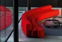La Cividina / La Cividina nace en 1976 en la provincia de Udine, Italia, empresa en la que destaca su constante evolución de su colección, la excelencia permanente en lo que a producción artesanal se refiere, su cuidada atención hacia el diseño, y la flexibilidad demostrada desde sus orígenes a la hora de afrontar proyectos con estudios de interiorismo y de arquitectura, colaborando con arquitectos y diseñadores de la más alta profesionalidad orientados hacia el diseño riguroso al cuidado del detalle.