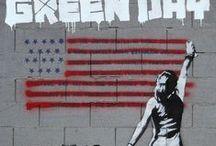 Mural y Graffitti,hermanos que se odian... / pinturas con significado difuso, colorido y arrogante...