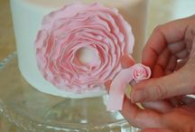 Cake Decorating Tutorials & Handy Hints / Photo Tutorials for anything cake! / by Bronwyn Dominguez