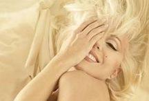Il était une fois...Marilyn Monroe / Marilyn Monroe, née Norma Jeane Mortenson (Norma Jeane Baker selon son certificat de baptême) le 1er juin 1926 à Los Angeles où elle est morte le 5 août 1962, est une actrice et chanteuse américaine. Elle se destine initialement au mannequinat avant d'être repérée par Howard Hughes et de signer son premier contrat avec la 20th Century Fox en 1947. / by MENIER