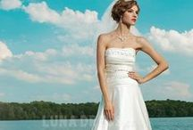 Wedding Dresses / keep up with the wedding fashion trend.