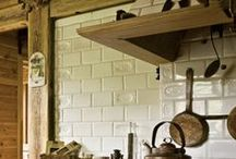Rustic Kitchen / A farmhouse kitchen boasts bags of personality, functionality and style so Waxman Ceramics has scoured Pinterest to find your the best pieces to achieve the perfect rustic kitchen.