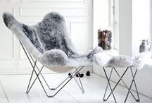 FAUX FUR / Faux fur is the perfect fabric for winter home accessories. Bring in the warm elements to your 'modern chic' living or bedroom and get your interior ready for a cosy winter!