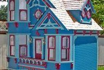 Dollhouses & Miniatures II / by Susan Torrington