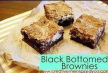 Brownies & Blondies / Brownies and blondies recipes Pinterest board by CreativeMeInspiredYou.com