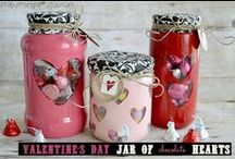 Creative Gift Wrapping Ideas / Creative gift and gift wrapping ideas Pinterest board by CreativeMeInspiredYou.com