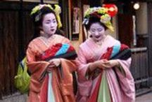Japanese Geisha / Japanese geisha, hair, kimono, Japan, paper lanterns, Japanese fans