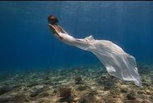 La petite siréne / The little mermaid / Sirène, dis-moi qui es-tu ? Montre moi ton vrai visage ... / by Agnés Viargues