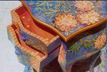 Funky furniture / Decorative furniture, funky furniture, folk art furniture, Bloomsbury Group.